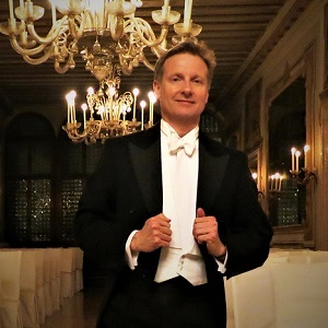 Philip Blake Jones, opera singer, at opera in Venice